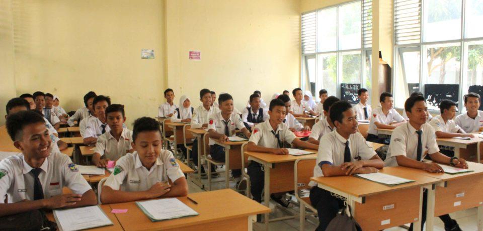 Masa Pengenalan Lingkungan Sekolah Di SMKN 1 Cirebon