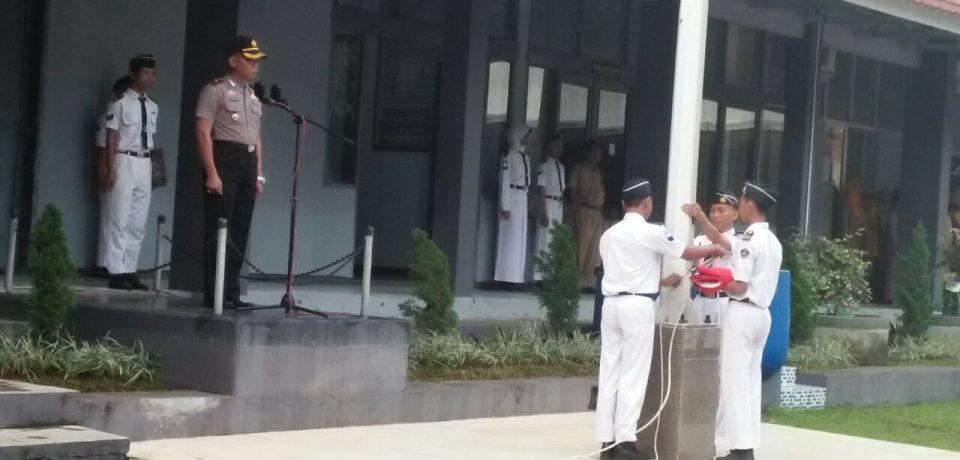 Senin, Penuh Motivasi Oleh Kompol Munawan, SH. Kapolsek Utara Barat Cirebon Kota