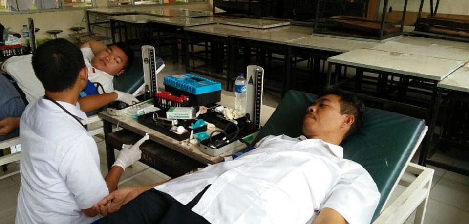 Kegiatan Donor Darah PMR SMKN 1 Cirebon